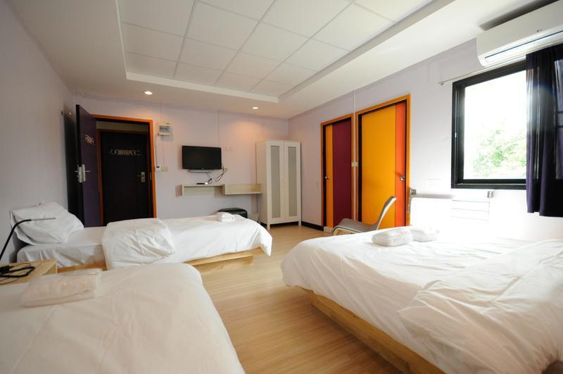 hostel in bangkok